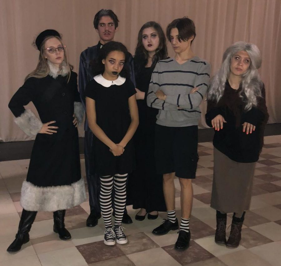 The cast of House Hunters: Supernatural.   The Alans family - From left to right: Alex Tweed (11), Issac Munoz (12), Sierra Reynolds (12), Maddy Hexom (12), Frankie Daniel (12), Noel Jensen (12)