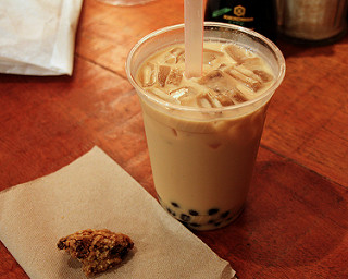 Boba tea and a pastry (photo by Mr. Tin DC)