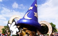 Fantasia's sorcerer's hat in Disney's Hollywood Studios (photo by  B33BE)