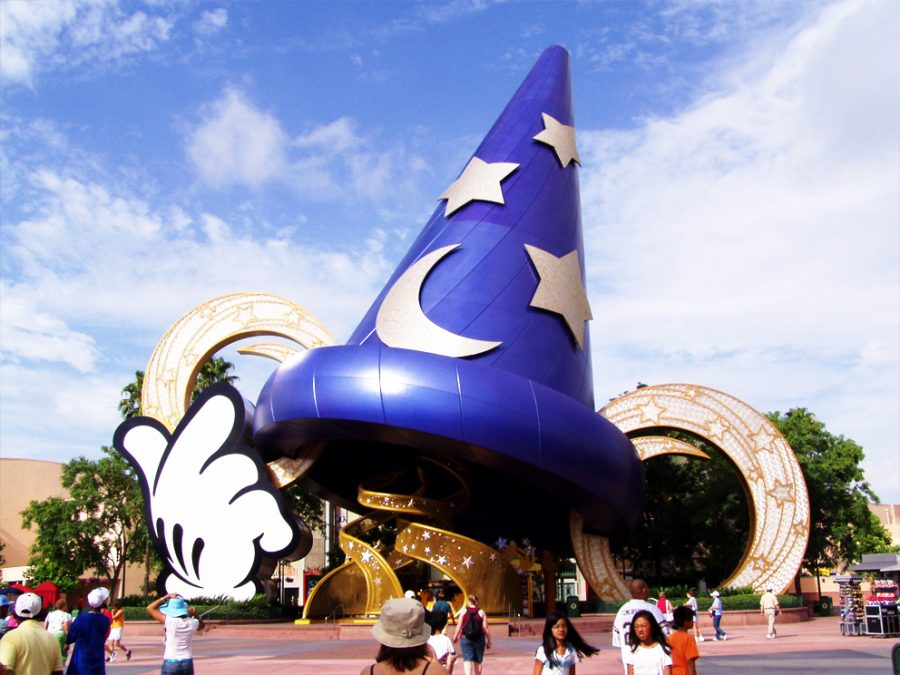 Fantasia%27s+sorcerer%27s+hat+in+Disney%27s+Hollywood+Studios+%28photo+by++B33BE%29