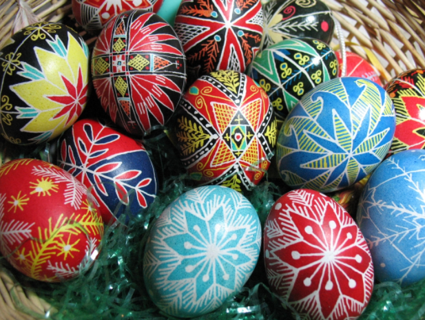 Pysanky+Easter+eggs%2C+from+Wikipedia+Commons